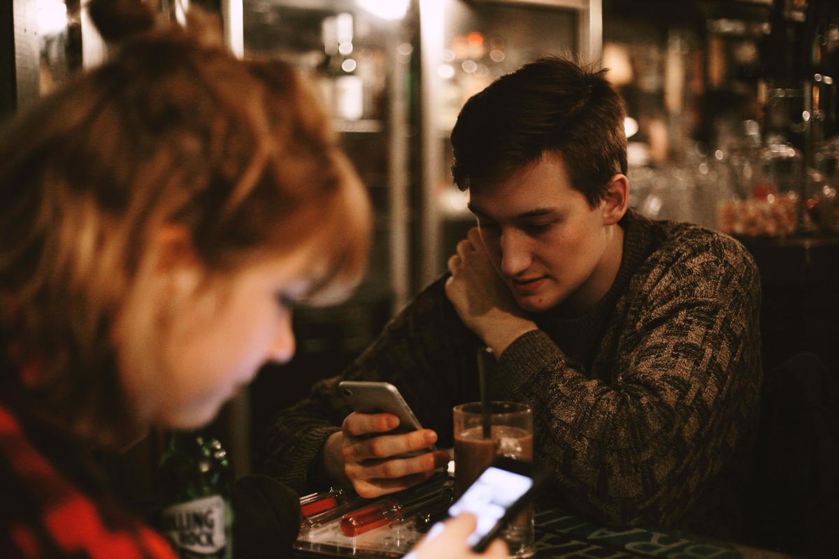 malos-habitos-del-uso-del-telefono